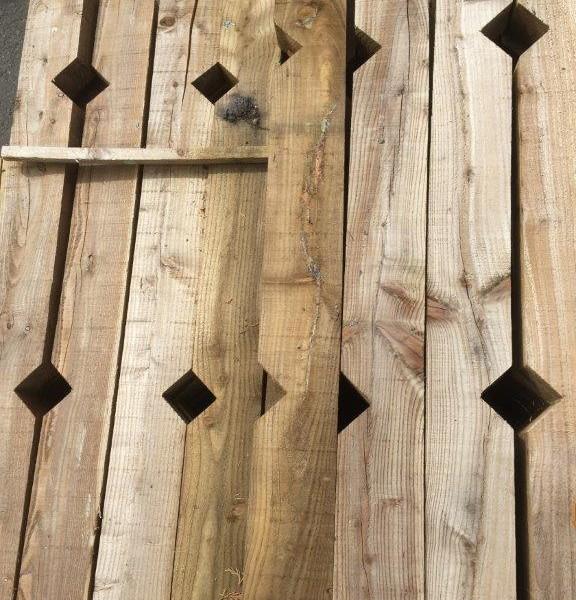 Keynsham Timber Notched Posts